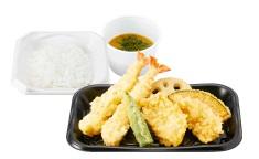 さん天持ち帰り「海老と鶏の天ぷら定食」590円