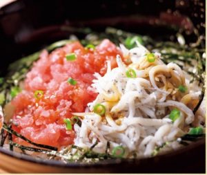 ガストのモーニングJまぐろと釜揚げシラスの2色丼朝定食799円