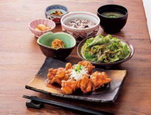 藍屋のランチ「若鶏の甘酢あん定食」