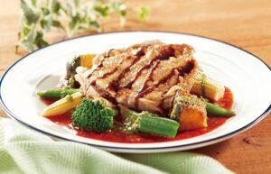 ココスのテイクアウト「チキンと温野菜のジェノバプレート(ライス付き)」