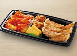 和食さとのテイクアウト「おかず3種盛 ~エビチリ・唐揚げ・焼餃子~」